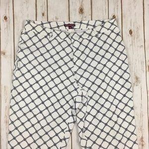 Jessica London Pants - Jessica London printed cropped Capri pants motif